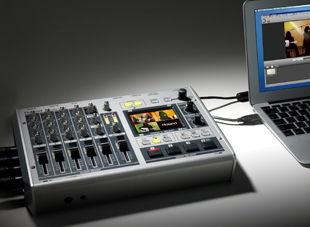 Roland VR-3 A/V mixer/switcher