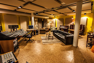 Sensational Wisseloord Adds Recording And Mastering Rooms Largest Home Design Picture Inspirations Pitcheantrous