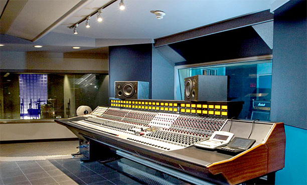 Full Sail's RND Shelford Edition 5088 console