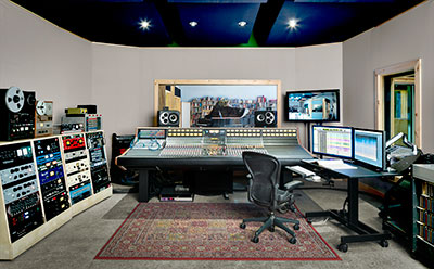 Oktaven Audio Control Room a with AXS console
