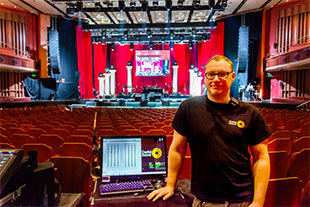 FOH engineer Dave Roden